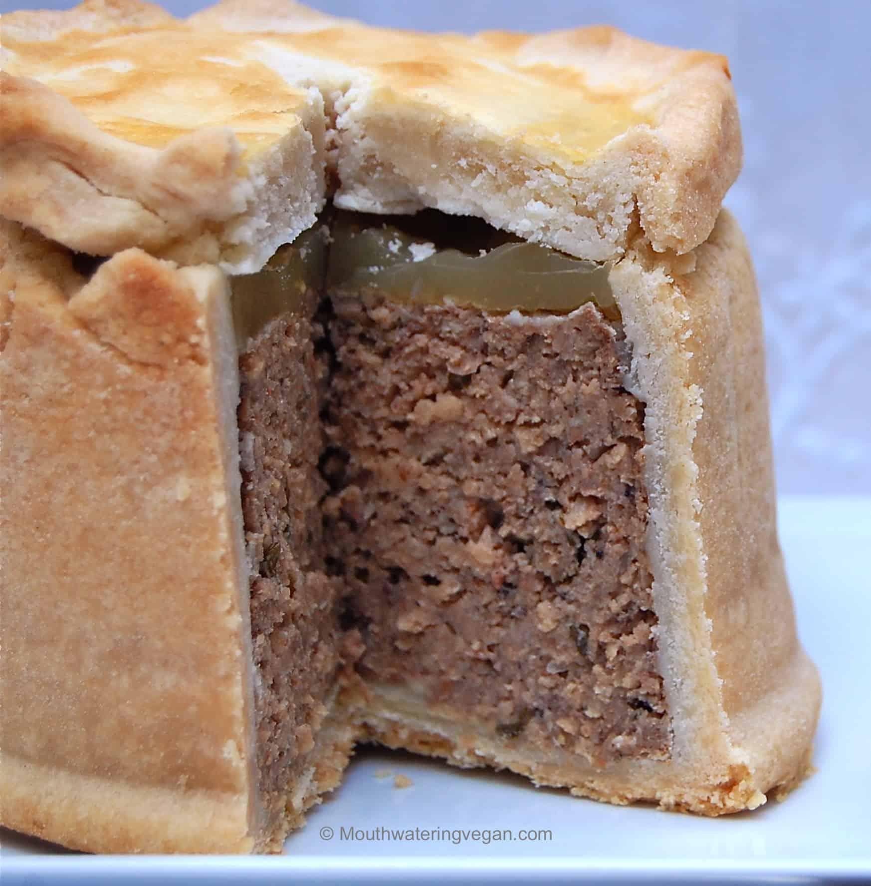 Vegan Traditional Pork Pie - Mouthwatering Vegan Recipes™
